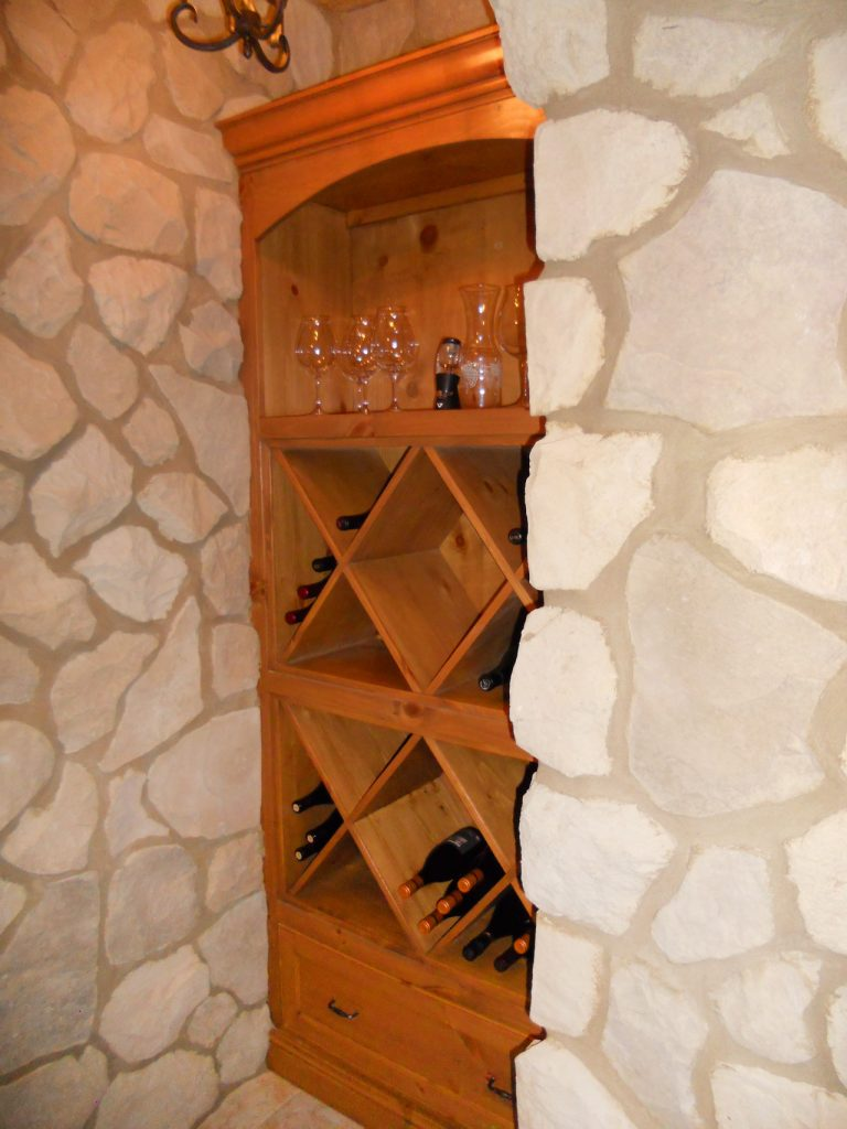 wine-shelf-tall-dscn0383